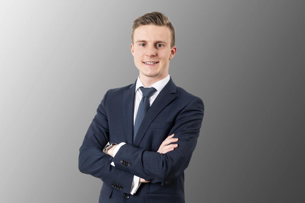 Phillip Beumer | Associate